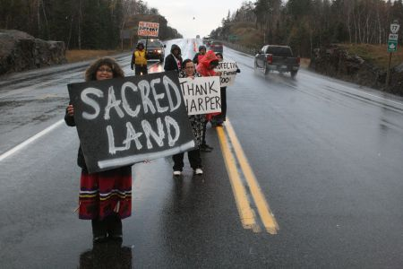 Shoal Lake Members Blockade TransCanada Highway Near Kenora