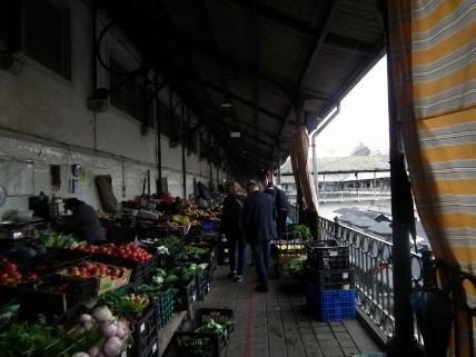 Mercado do Bolhão in the early morning.