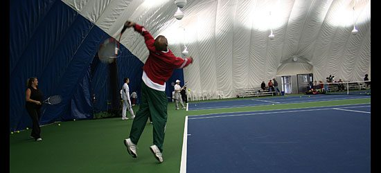Wilson Bedeau shows how to serve (4/4).