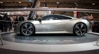 Outside of the Auto Exotica exhibit at the Canadian International Autoshow, Acura's latest version of the NSX received a lot of attention. Discontinued by the Japanese automaker in 2005, the hybrid sports car is set for production in less than three years.