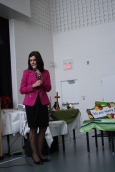 Principal Paola Cherrier thanks those who came.