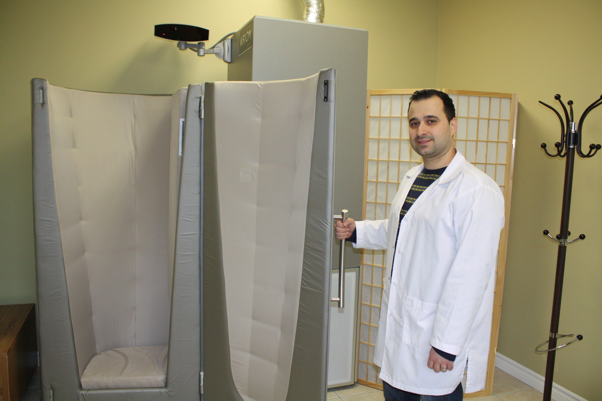 Roman Gersh and cryotherapy chamber