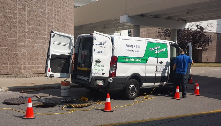 Commercial plumbing and drain services