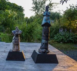 keramisk skulpturer med betongsokler