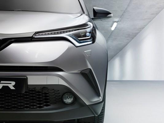 2016+GMS_Toyota+C-HR_05.JPGhr