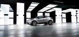 2016+GMS_Toyota+C-HR_09.JPGhr