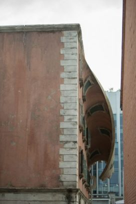w._IQOS_World_revealed._by_Alex_Chinneck_A7_333x500