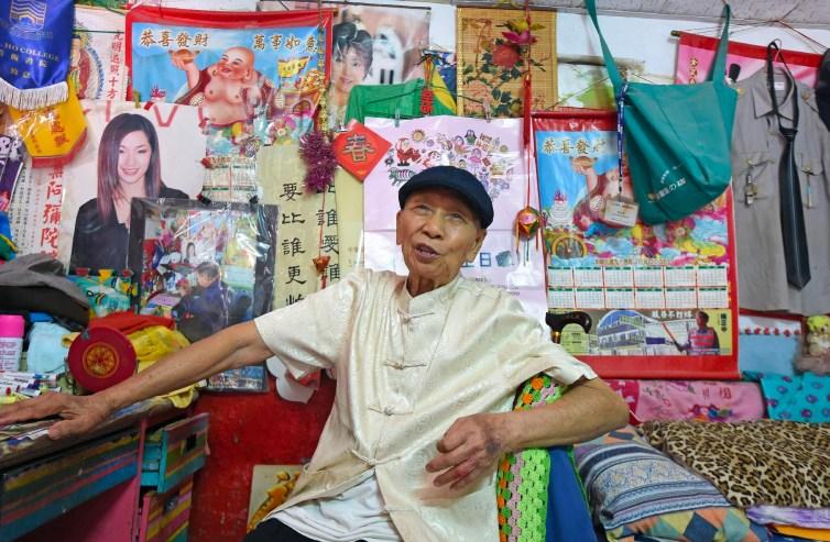 Rainbow Village, sauvé grâce au talent coloré d'un grand-père de 97 ans 21