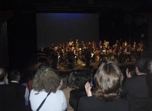 El público agradeció con calurosos aplausos a los músicos
