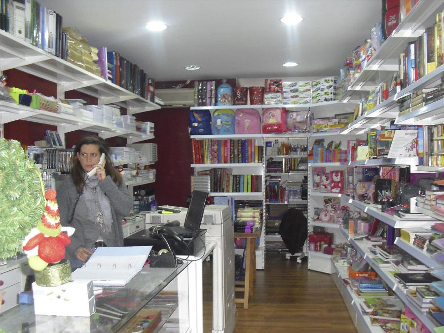 Nueva propietaria de la Papelería y Librería Bulevar