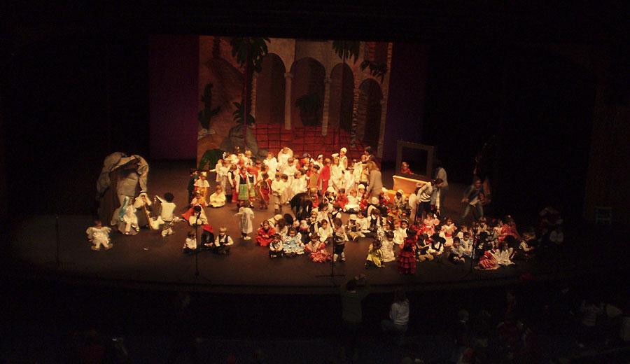 Colegios en la Función de Navidad en el Teatro Bulevar de Torrelodones