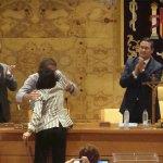 Rubén Díaz de aCTua felicita a Elena Biurrun