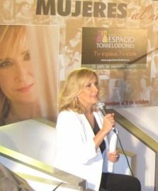 """Nieves Herrero y Sandra Ibarra presentaron """"Mujeres al natural"""" en el Espacio Torrelodones"""