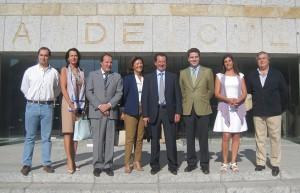Miembros del Partido Popular de Torrelodones con D. Borja Sarasola y D. Jaime González Taboada - Visita a la Casa de Cultura de Torrelodones el 5-10-2011