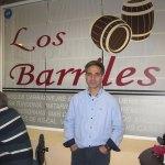 Adolfo, propietario de Los Barriles el día de la inauguración