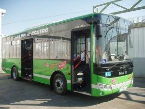 Presentan en Torrelodones un nuevo autobús de Julián de Castro