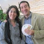 La Concejal de Cultura, Rosa Rivet, con el mago Luis Boyano