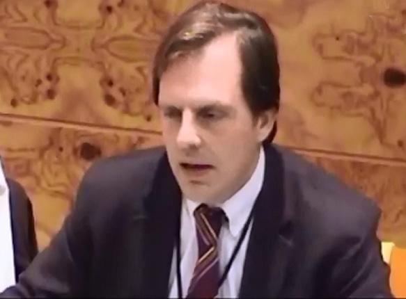 Luis Collado, Concejal de Hacienda de Torrelodones, defiende los Presupuestos 2013