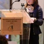 """La Alcaldesa de Torrelodones, Elena Biurrun, en la entrega de Premios """"Lodón de Oro 2012"""" de la Asociación Empresarial de Torrelodones"""