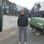 Hernán Auguste enseña el parking, de 500 metros cuadrados