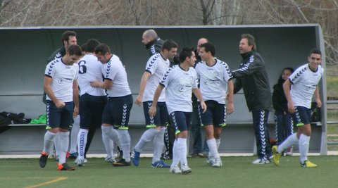 El Torrelodones gana al Sanse B por 4 a 0 en el Julián Ariza. (Foto: Torrelodones C.F. La fotografía no corresponde a ese partido, sino al domingo anterior)