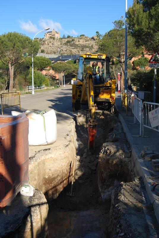 Obras de renovación de la red de agua en Los Robles (Torrelodones) - (Foto: Ayto. Torrelodones)