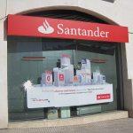 Acto vandálico contra la sede del PP y Banco de Santander el 12-2-2013