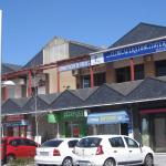 Roban en locales del Centro Comercial La Gardenia de Torrelodones