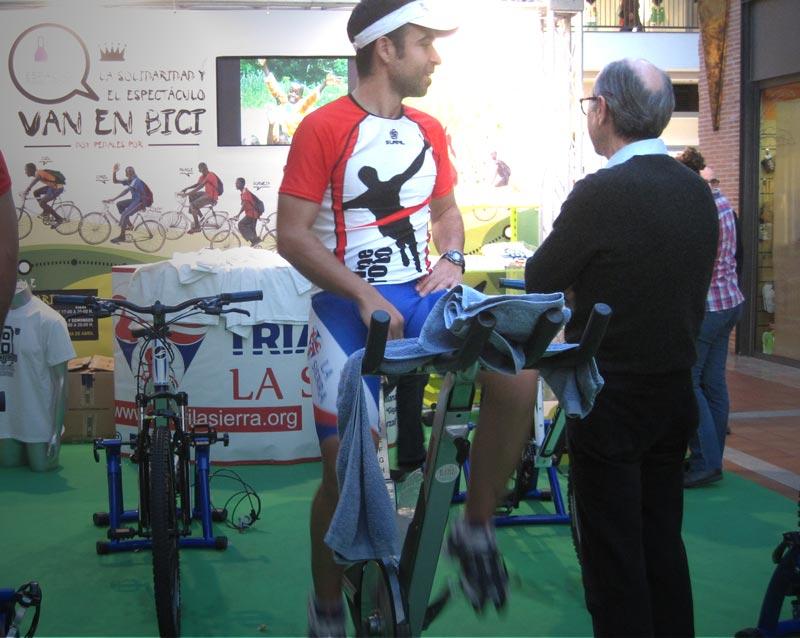 Carlos Llano pedaleó 12 horas