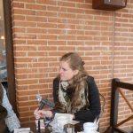 La periodista belga Flora Six pregunta sobre El Canto del Pico al presidente y la vicepresidenta de la Sociedad Caminera 21/04/2013