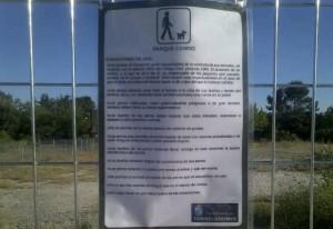 Área Canina cerrada por estar instalada sin autorización en una parcela de la CAM