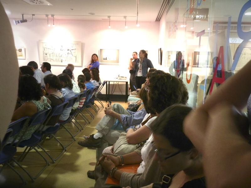 Gran asistencia de padres y alumnos a la reunión con los profesores de la EMMyD de Torrelodones