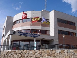 Edificio de Seguridad de Torrelodones (By Paconi (Own work) [GFDL (http://www.gnu.org/copyleft/fdl.html) or CC-BY-SA-3.0 (http://creativecommons.org/licenses/by-sa/3.0/)], via Wikimedia Commons)