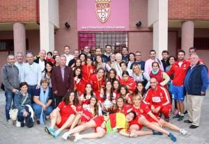 Selección madrileña Sub 16 con los familiares en la sede de la Real Federación de Fútbol de Madrid (Foto: RFFM)