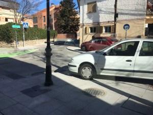 aparcados-en-acera