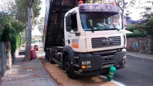 camion-bolardo-torrelodones