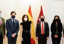 Isabel Diaz Ayuso, Carlos Izquierdo y Enrique Ruiz Escudero; con el alcalde de Guadarrama
