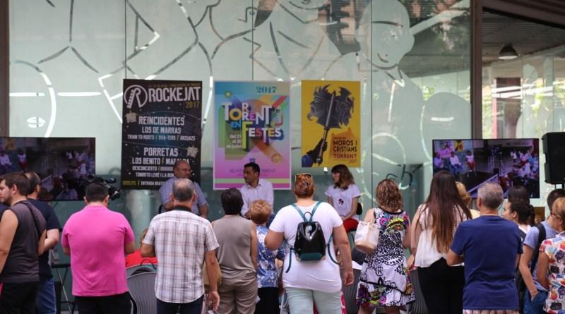 El Ayuntamiento de Torrent presenta el programa de fiestas con la cantante Angy