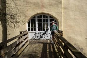An der Wasserburg in Hainchen.