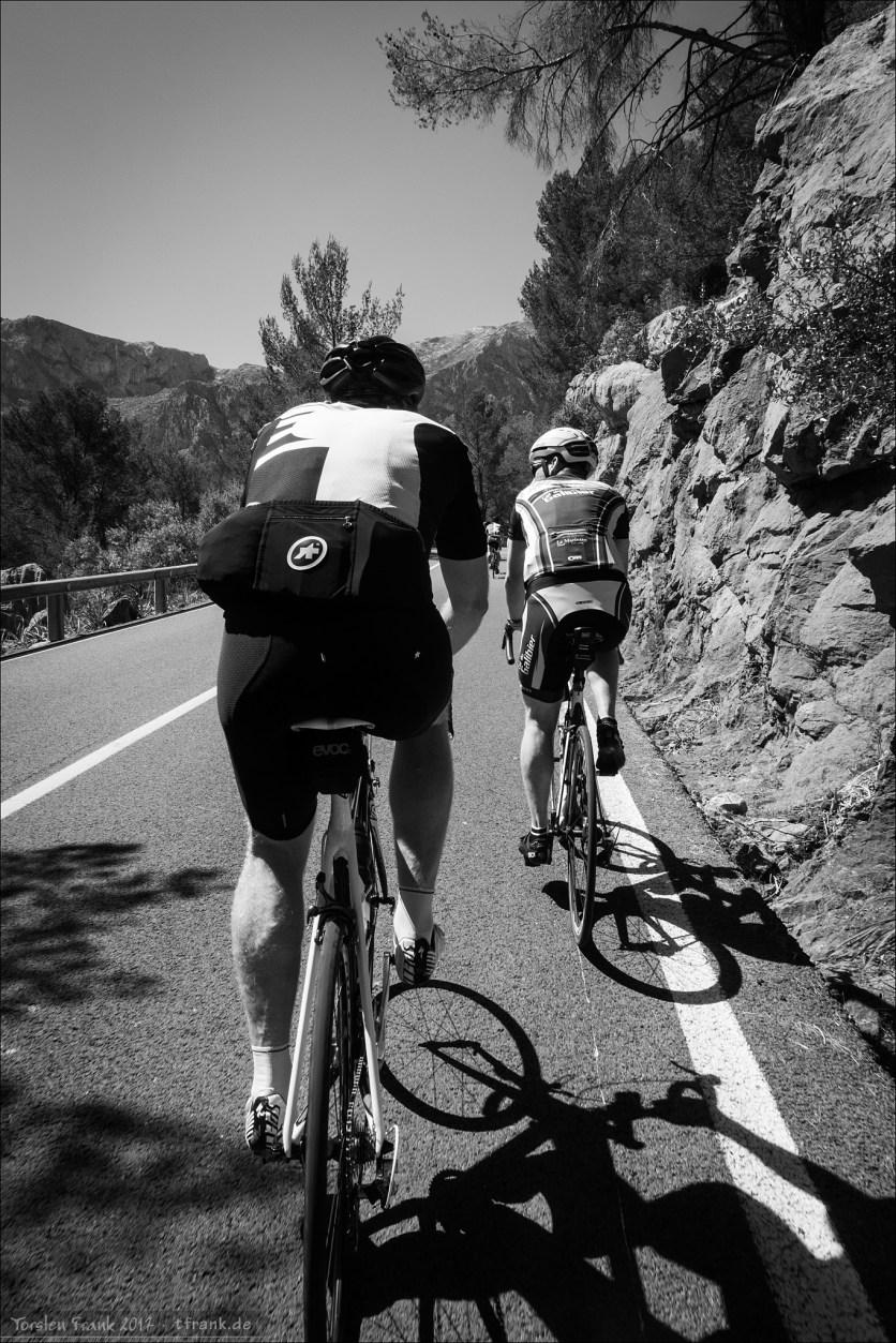 Hannes und Ronny im Anstieg zum Coll de Femenia