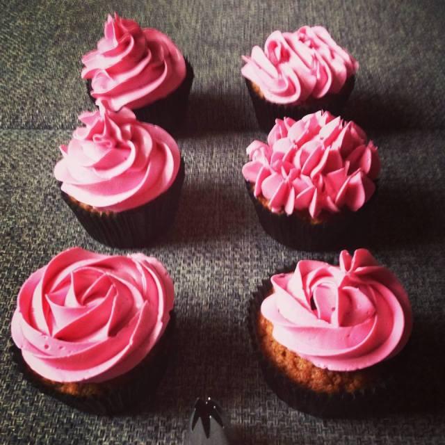 1M_es_wilton_dekorcso_cupcake-diszites-tortaiskola