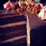 Csorgatott torta készítése