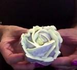 Vajkrém rózsa készítése cupcakre, svájci vajkrémmel, videós magyar nyelvű segítséggel