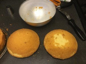 kevert-teszta-tortahoz-felgomb-formaban-recept-tortaiskola-1 (3)