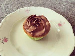 kokuszos-cupcake-kakaos-kremmel-tortaiskola-1 (2)