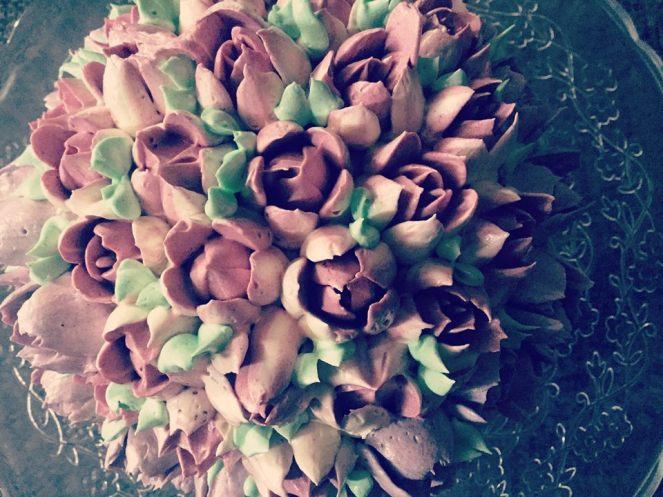 magnolia-dekorcsovel-diszitve-olasz-vajkrem-tortaiskola-1 (4)