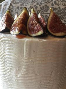citromos-mezes-joghurt-hab-pisztacia-roppanos-hazi-fuge-lekvar-tortaba-zarva-rusztikus-torta-tortaiskola-glazurshop-1 (10)