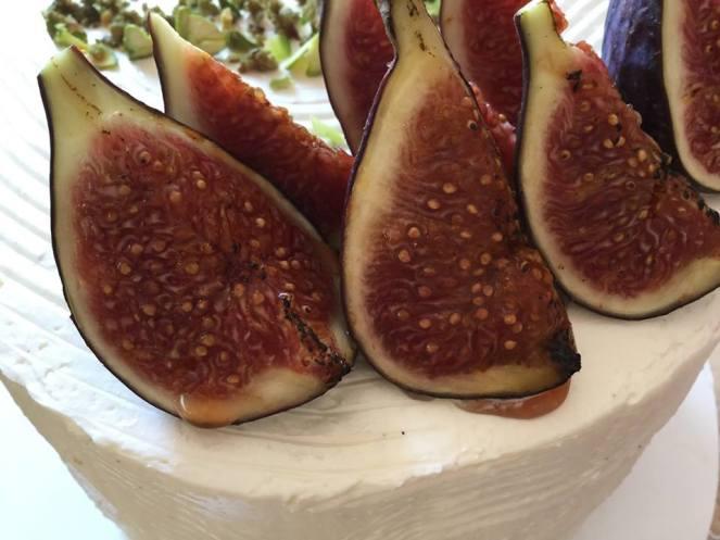citromos-mezes-joghurt-hab-pisztacia-roppanos-hazi-fuge-lekvar-tortaba-zarva-rusztikus-torta-tortaiskola-glazurshop-1 (5)