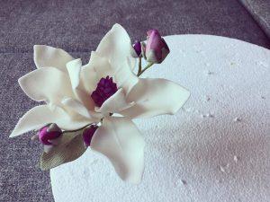 cukor-magnolia-keszitese-csokorba-kotve-tortaiskola-glazurshop-1 (3)