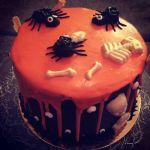 Halloween csorgatott, rémisztően jóóóóó:-)- karamellás, párizsi krémes ízesítésben
